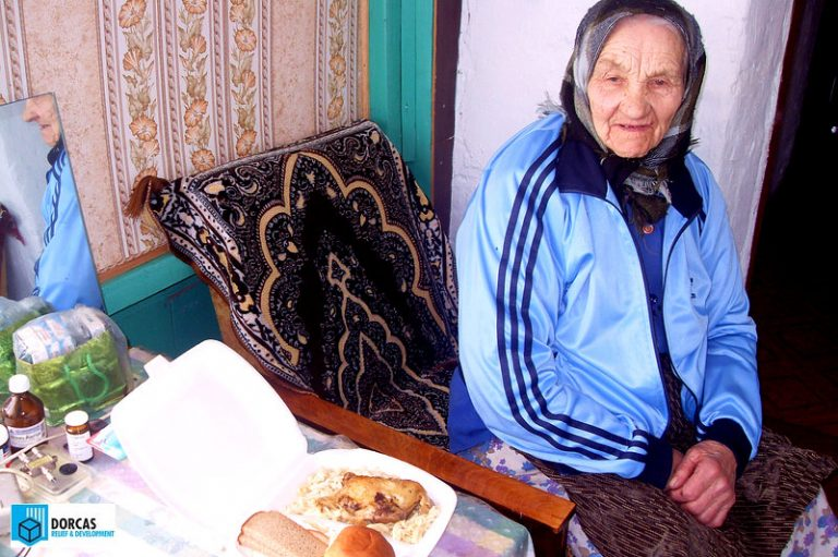 Бабушка из Тульской области получила горячий обед