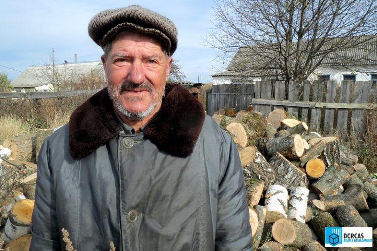 Дедушка Михаил проведёт зиму в тепле