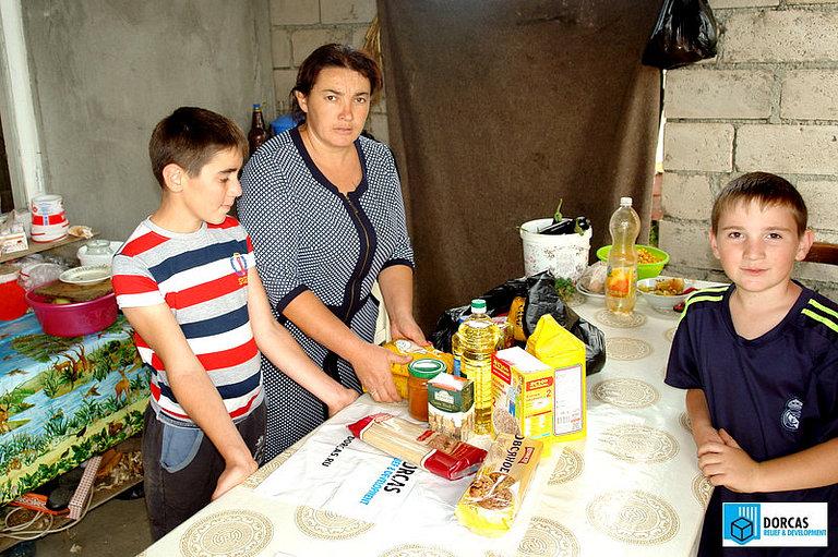Малоимущая семья из Северной Осетии получила продуктовый набор