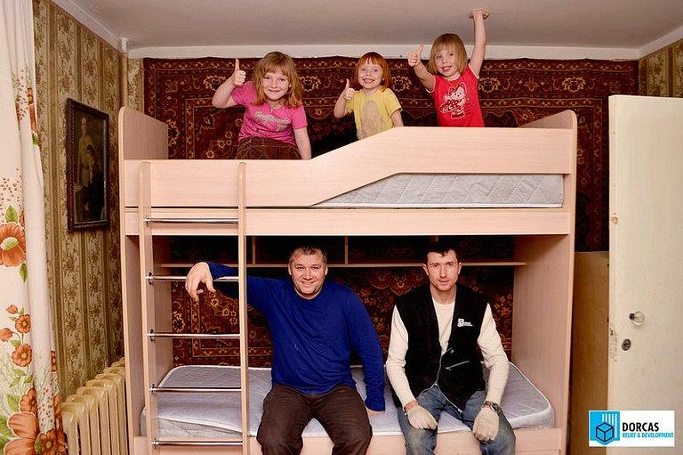 Семье из Пензенской области, временно оставшейся без кормильца, подарили новую кровать для детей
