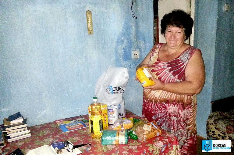 Семья из Владикавказа получила набор продуктов
