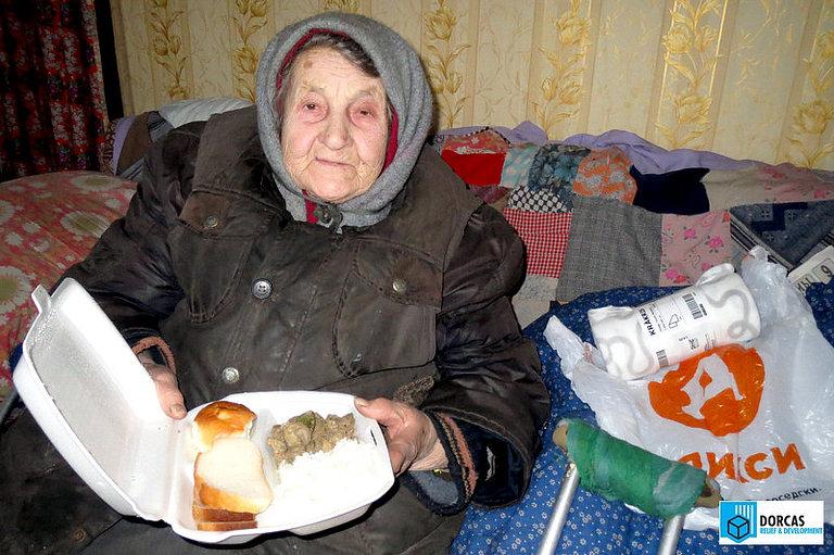 Бабушка из Тульской области получила горячий обед в проекте «Накорми и утешь»