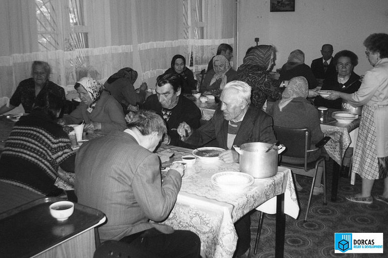 Благотворительная столовая в г. Железнодорожном Московской области, 1990-е